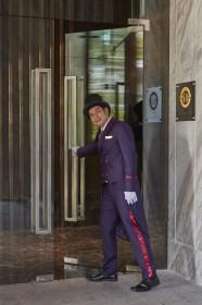 03 Doorman2