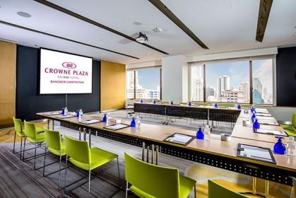 Crowne-Plaza-Bangkok-Lumpini-Park_Sathorn-Meeting-Room-01_Low-Res_RETOUCH